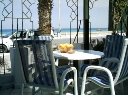 4 Café an der Strandpromenade Sousse.jpg